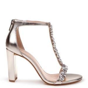 🆕 Jewel Badgley Mischka Morley T-strap Sandals
